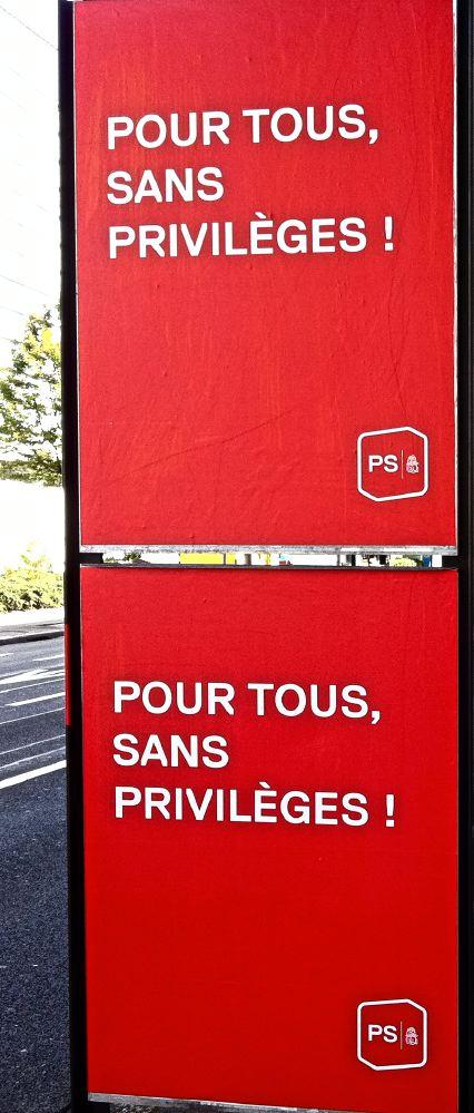 Pour tous sans privilège, slogan du Parti socialiste suisse